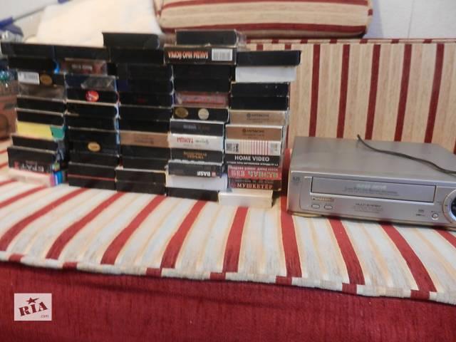 бу Видеомагнитофон + более 50 касет в Виннице