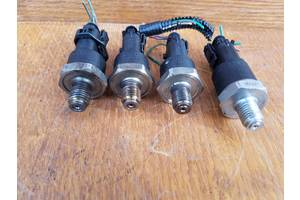 б/у Датчики давления топлива в рейке Opel Vivaro груз.