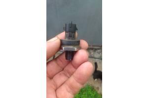 б/в Датчики тиску палива в рейці Renault Trafic