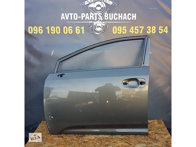 купить бу Б/у дверь передняя для Toyota Avensis T27 в наявності в Тернополе