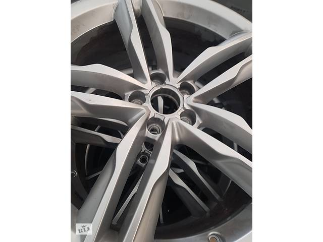 купить бу Б/у диск для Audi A7 S7 в Ужгороді