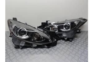 Б/у фара для Mazda 3 2013-2015