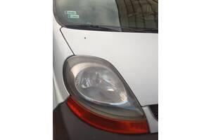 Б/у фара правая Renault Trafic 2001-2010