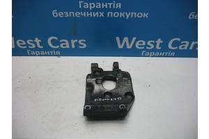 Б/У Кронштейн кріплення кондиціонера Fiesta 2002 - 2008 9646719580. Вперед за покупками!
