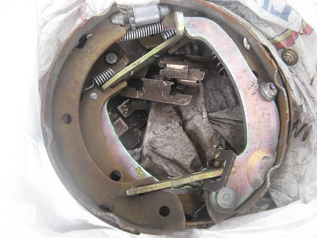 бу Б/у гальмівний барабан ручника BOSCH 249F5Pдля Toyota Corolla Verso 04-09 в Львове