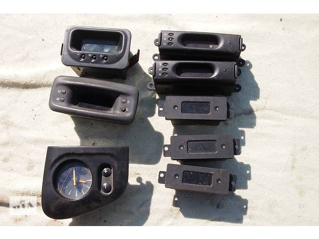 продам Б/у часы 12вольт для Fiat Ducato на дукато пежо боксер часы в панель на разные авто рабочие бу в Черновцах