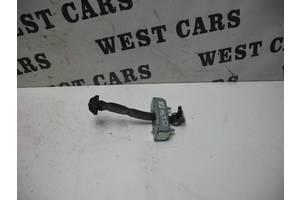 Б/У Ограничитель передней правой двери IS 2006 - 2012 6861053030. Вперед за покупками!