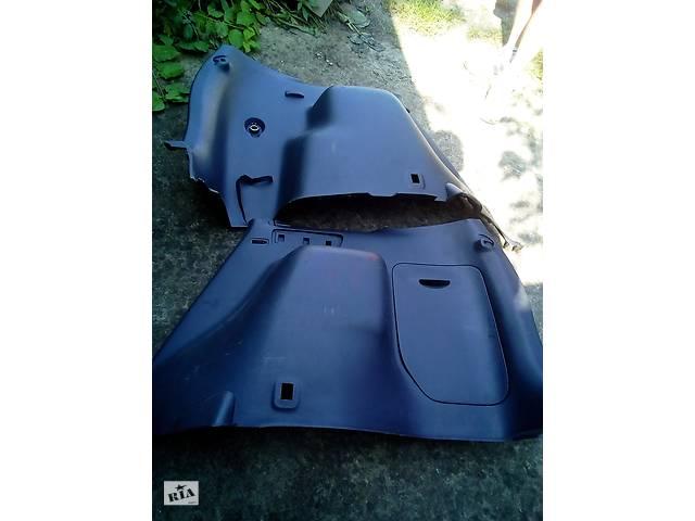 продам Б/у карта кришки багажника для Mazda Premacy бу в Ивано-Франковске