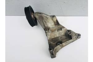 Б/у кронштейн для Opel Zafira A 2.0 DTI