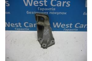 Б/У Кронштейн опори двигуна Discovery 2004 - 2009 KKU500580. Вперед за покупками!