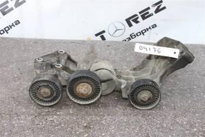 Б/у Кронштейн ролика-натяжителя руч. ремня на Mercedes W168 A-class(97-04)