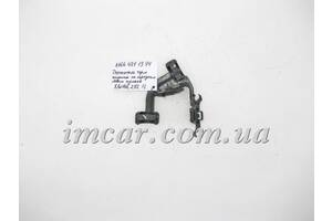Б/У Mercedes Пластиковый кронштейн - держатель тормозного  шланга переднего левого кулака A1664211394