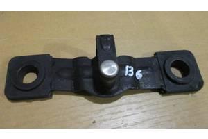 б/у Направляющие бок двери Volkswagen Passat B6