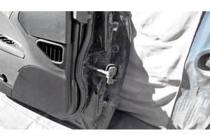 б/у Ограничители двери Mercedes 210