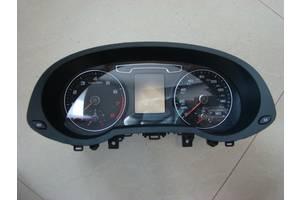 б/у Панели приборов/спидометры/тахографы/топографы Audi Q3