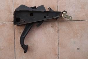 б/у Педали ручника Mercedes 123