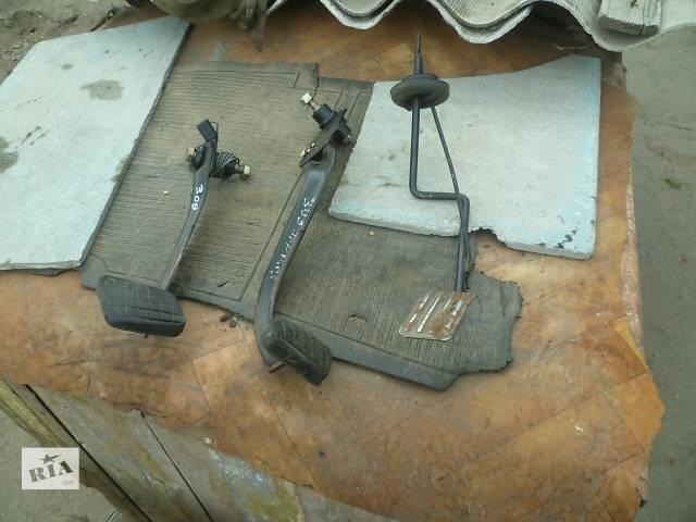 купить бу Б/у педаль сцепления для Peugeot 309 в Знаменке