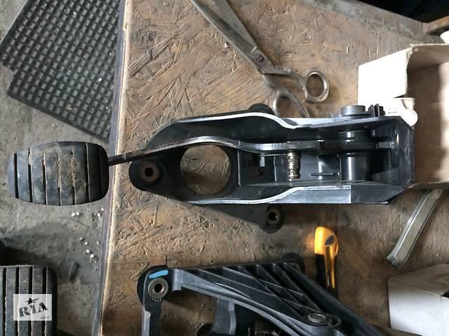 бу Б/у педаль сцепления для Renault Laguna II, Рено Лагуна 2 в Кропивницком (Кировоград)