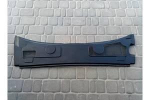 Пластик под лобовое стекло Audi A6