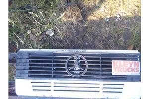 б/у Решётки радиатора Mercedes 609 груз.