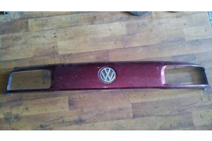 б/у Решётки радиатора Volkswagen Passat B3