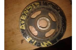 б/у Шкивы коленвала/распредвала Toyota Avensis