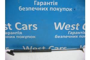 Б/У Амортизатор крышки багажника Vito 2003 - 2013 . Вперед за покупками!