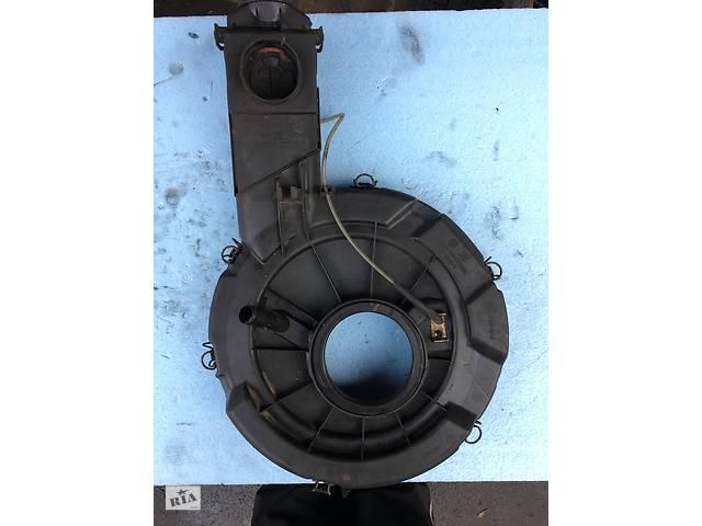 купить бу Б/у воздушный фильтр корпус 030129607M для Volkswagen Polo 86C 1.0 1.3 1.4. в Луцьку