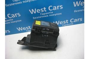 Б/У Корпус блоку запобіжників 2.4 d XC90 2002 - 2006 8645259. Вперед за покупками!