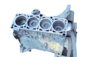 б/у Блоки двигателя Volkswagen Passat