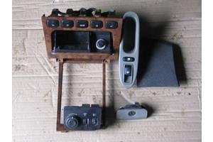Блоки кнопок в торпеду Chevrolet Evanda