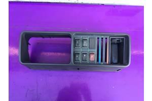 Блок кнопок в торпеду Seat Marbella.