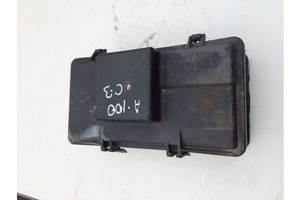б/у Блоки предохранителей Audi 100
