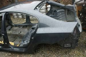 б/у Четверти автомобиля Renault Laguna