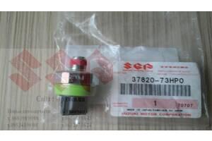 Датчик давления масла в двигателе Suzuki Grand Vitara 37820-73HP0