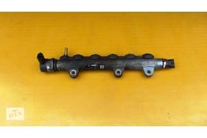 б/в Датчики тиску палива в рейці Opel Vivaro