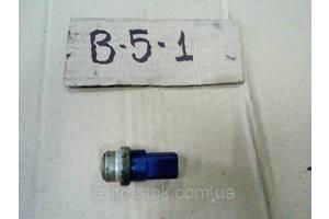 б/в Датчики температури охолоджуючої рідини Volkswagen B5