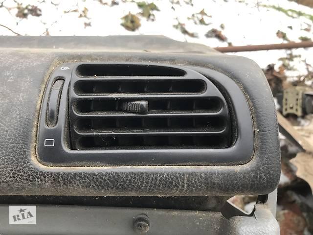 продам Дефлектор (решітка воздуховода) для Peugeot 406 бу в Львове