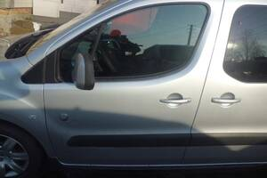 Двері пердні  Peugeot Partner Citroen Berlingo Пежо Партнер Сітроен Берлінго