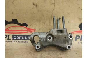 Ford Fiesta MK6 02-08 Fusion кронштейн двигателя правый 2S61-6030-CA