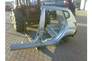 чверті автомобіля Kia Venga