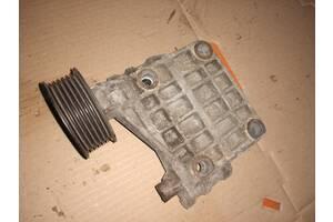 Кронштейн генератора Audi A6 C6 2005-2011 2.7 tdi 3.0 tdi 059903143K