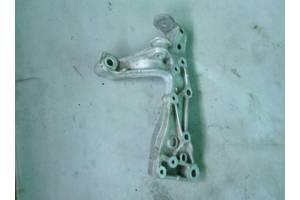 Кронштейн переднего подрамника Skods Octavia A5 04-13