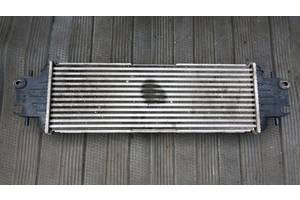 б/у Радиаторы интеркуллера Nissan Primastar груз.