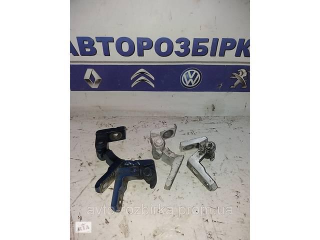 бу Петля дверей передней  верхняя Volkswagen Caddy 04-09 Фольксваген Кадди Кадді в Тернополе