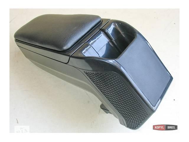 продам Подлокотник Skoda Fabia (TD48023L011) бу в Луцке