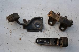 Подушка глушителя / хомут глушителя для Volkswagen Passat B6