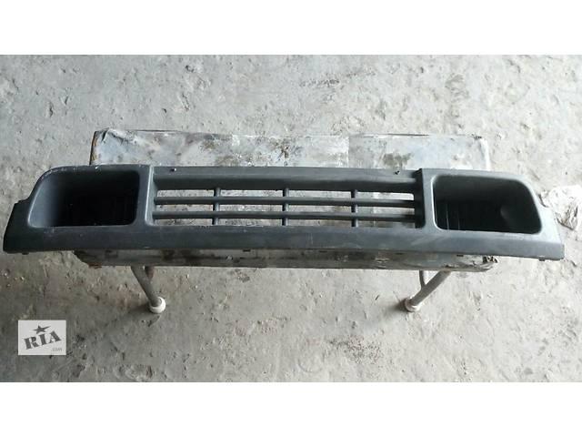 купить бу решетка переднего  бампера воздухозаборник для Volkswagen T5 (Transporter) в Херсоне