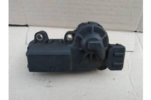 Шаговый двигатель моноинжектора Volvo 460 91-96 на 4 контакта