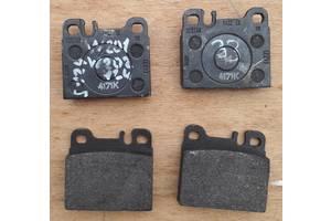 Тормозные колодки комплект/накладки для Mercedes 124